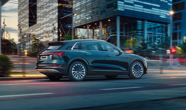 Mietwagen-Krefeld Audi e-tron Beitragsbild